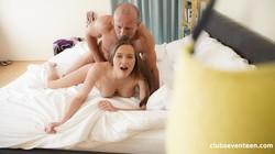 Stacy-Cruz-All-Inside-The-Family-x122-2251X4000px-16vo0dvk4j.jpg