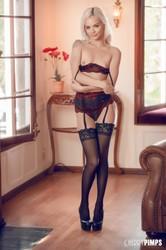 Elsa-Jean-A-Blonde-Dream-Cherry-Pimps-%28x94%29-3744x5616-g6vr2fta6m.jpg
