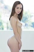 Lily Jordan Seeking Arrangements-l6vqrkuz1x.jpg