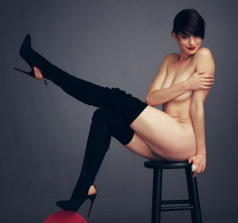 Энн Хэтэуэй (Anne Hathaway) в прозрачных бикини