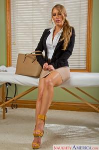 Nicole Aniston     My N@ughty Ma$$age  -