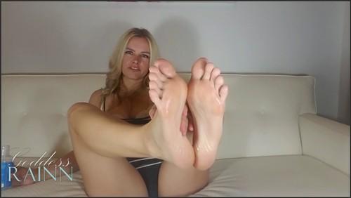 Oiled Feet Brainwashing - Goddess Rainn  - iwantclips