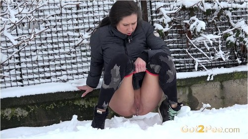 Amateurs - Cold and desperate (2019/Got 2 Pee.com/FullHD)