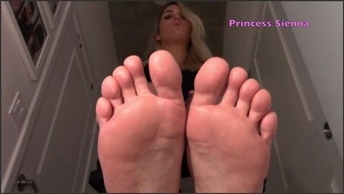Foot Loser Strokes To My Feet - SiennaLee  - iwantclips