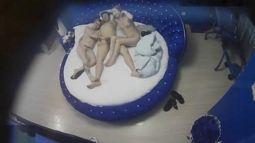 這邊是两个小女蓝色大圆床玩双飞[avi/593m]圖片的自定義alt信息;550389,733379,wbsl2009,65