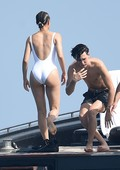 ge5wf37485jp - Celebrities nipslip, cameltoe, upskirt, downblouse, topless, nude, etc