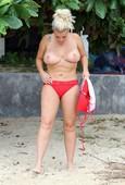 uw1bqw0cht3e - Celebrities nipslip, cameltoe, upskirt, downblouse, topless, nude, etc