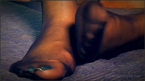 Loryelle's Dating Diary - Date THREE - Lost in my Nylons SFX - Giantess Loryelle  - iwantclips
