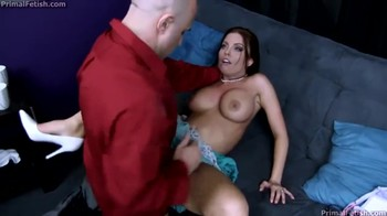 Hypno treatment from a wife therapist